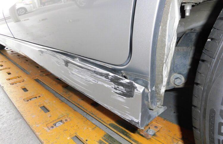 フリード ハイブリッド(ステップ)キズ・ヘコミの修理料金比較と写真 初年度H25年、型式GP3