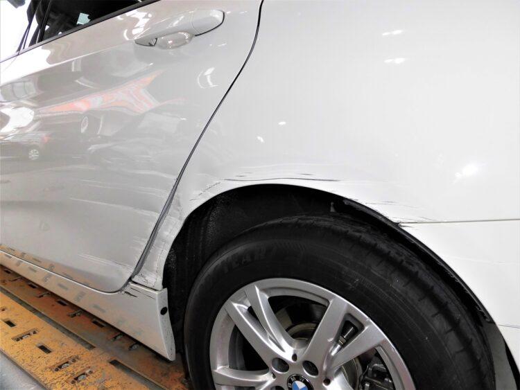 BMW 218d Gran Tourer Luxury(ドア・リヤフェンダー・サイドシル・バンパー)キズ・ヘコミの修理料金比較と写真 初年度H28年、型式2E20
